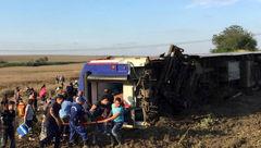 دقایقی پیش رخ داد / خروج وحشتناک قطار از ریل در هرمزگان! + عکس