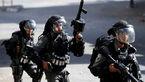 رفتار وحشیانه چند نظامی صهیونیست با یک جوان فلسطینی + فیلم
