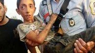 عکس تلخ از پسر 9 ساله که توسط مادرش به چاه انداخته شده بود / در کازرون رخ داد