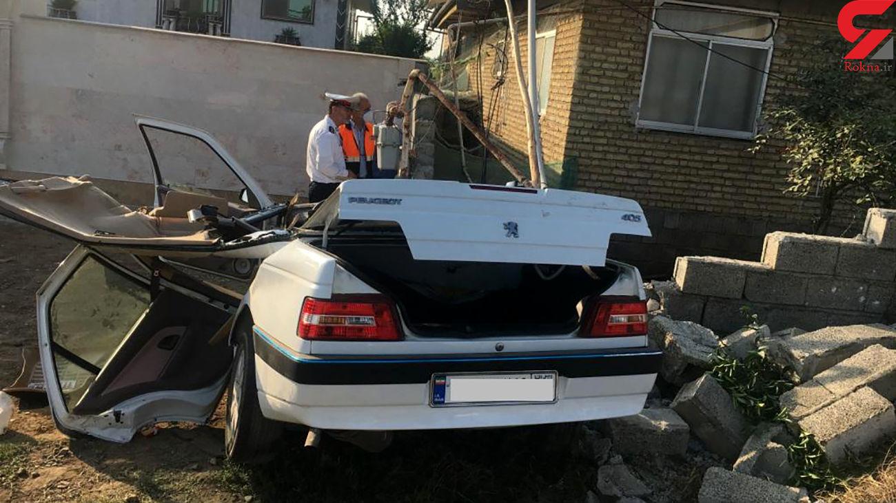 تصادف مرگبار پژو ۴۰۵ با دیوار یک خانه جان 2 نفر را گرفت / در رودسر رخ داد +عکس