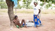 غل و زنجیر کردن بیماران روانی به درخت!+عکس / غنا