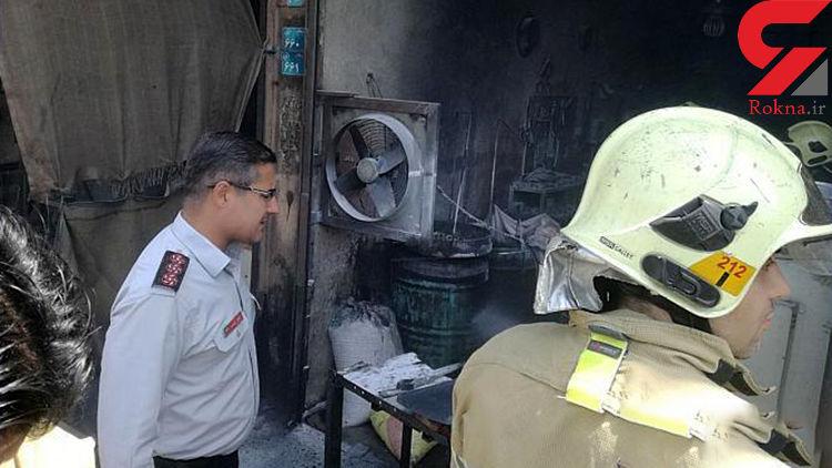 آتش سوزی بشکه های روغن در مغازه آهنگری