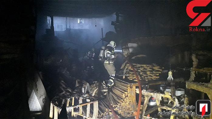 مهار آتش در کارگاه مبل سازی + عکس