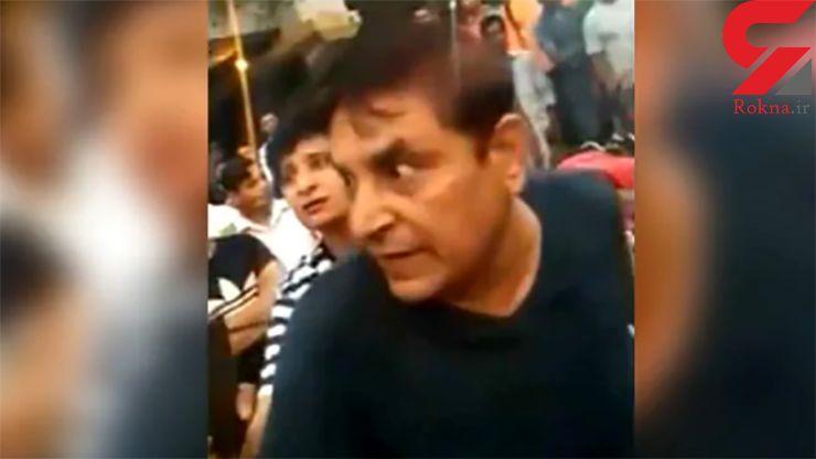 حمله وحشیانه یک زن به پلیس راهنمایی و رانندگی ! + فیلم این درگیری در خیابانهای منطقه «مایاپوری» هند