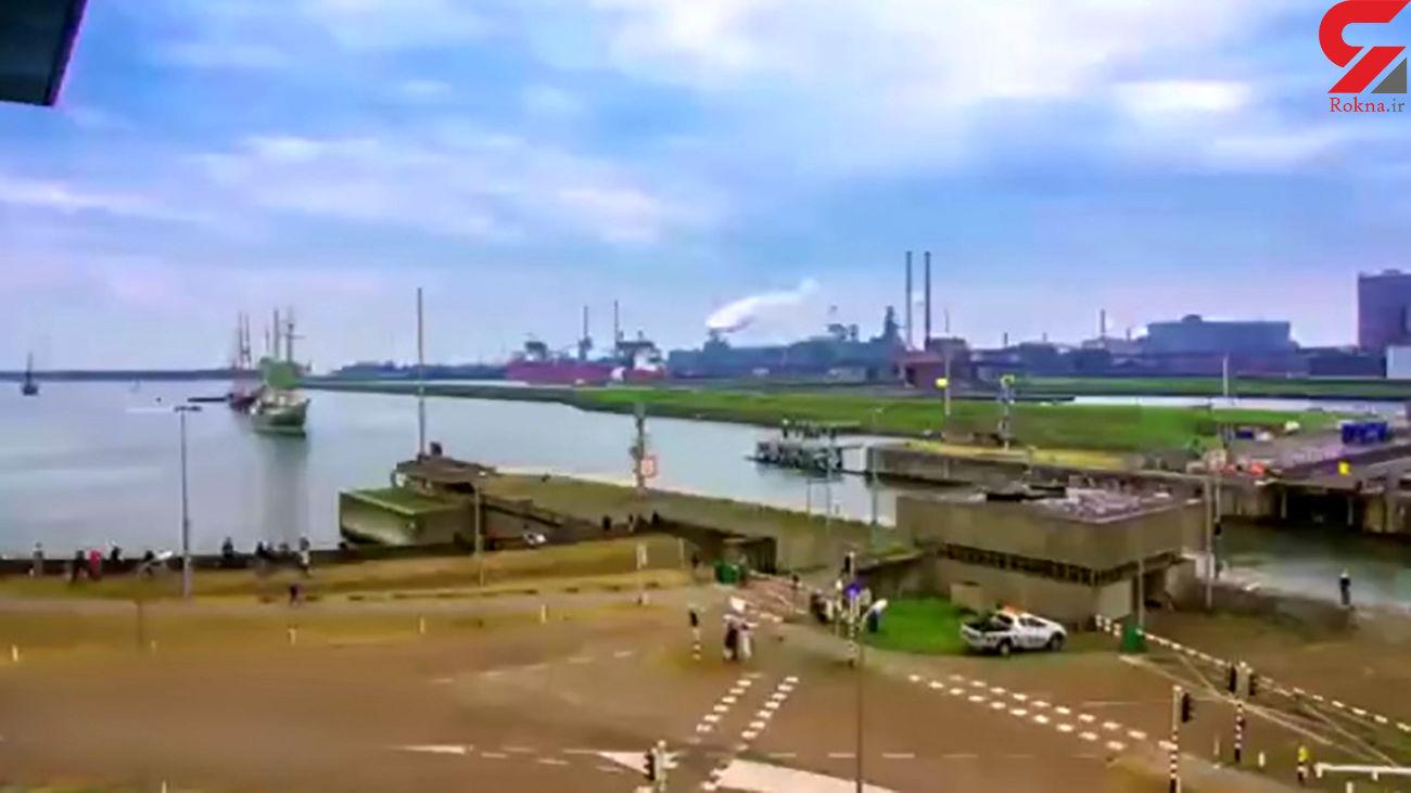عبور و مرور صدها قایق و کشتی در هلند + فیلم