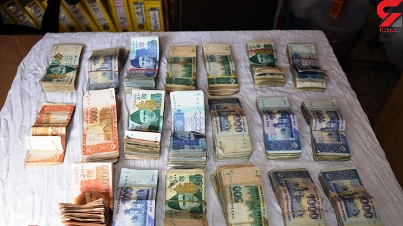 کشف بیش از 62 میلیارد ارز قاچاق توسط پلیس فرودگاه اصفهان