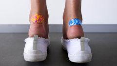 ترفندهای از بین بردن تاول پا به خاطر پوشیدن کفش های تنگ!