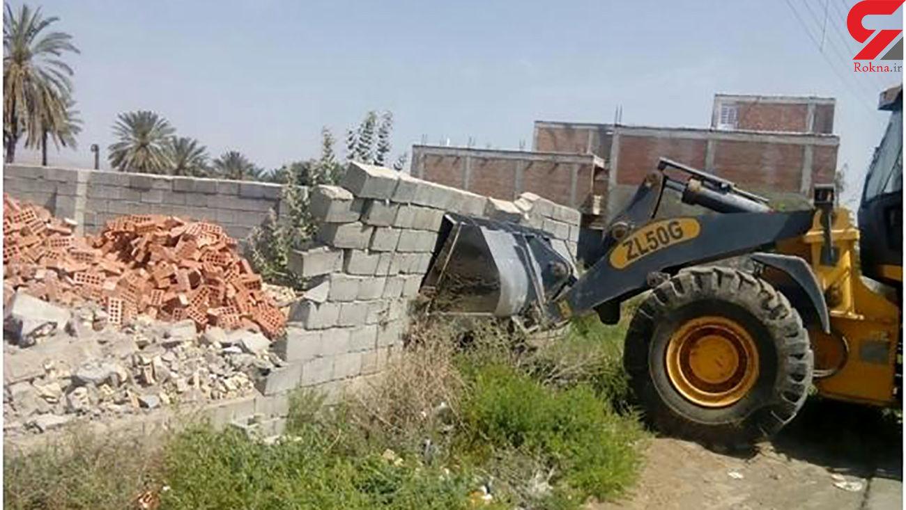 تخریب یک بنای غیر مجاز در شهرستان البرز