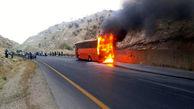 آتشسوزی اتوبوس دانشجویان دختر در تفت/ 9 مصدوم راهی بیمارستان شدند+ عکس