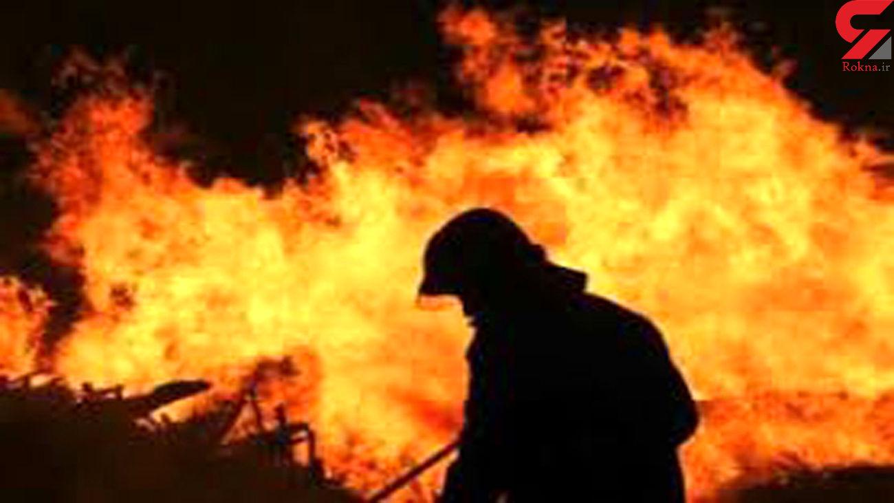 آتش سوزی هولناک در کارگاه تصفیه روغن در بستان آباد