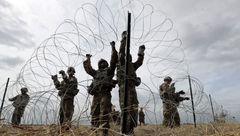 مرزهای آمریکا و مکزیک با سیم خاردار پوشانده شد + عکس