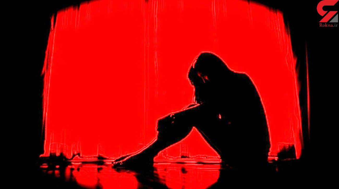 شب نشینی های شیطانی شوهرم با زنان غریبه در مقابل چشمان من!