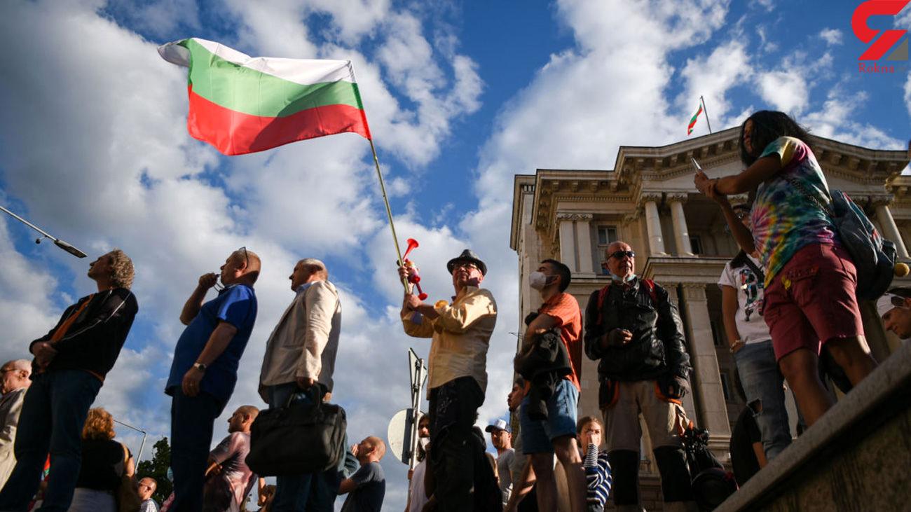 باران دستمال توالت بر سر حاکمان بلغارستان + فیلم