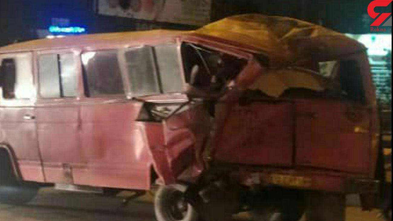 تصادف خونین اتوبوس و مینی بوس در مشهد