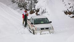 قطع راه ارتباطی ۱۴۷ روستا در الیگودرز؛ ۲۱ هزار نفر در محاصره برف قرار دارند