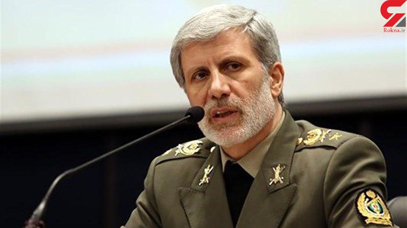 وزیر دفاع:سپاه و ارتش دستاوردهای عظیمی برای کشور به ارمغان آوردند