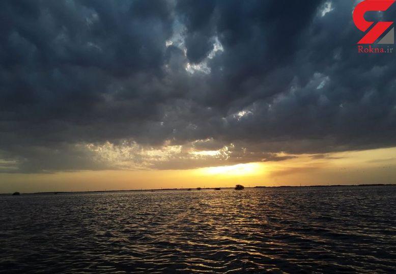 اینجا غروب دریا نیست! اینجا جاده اهواز به آبادان است!+ عکس