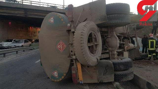 جزئیات حادثه واژگونی تانکر حمل سوخت در سه راهی اهر + عکس