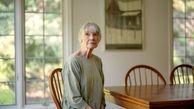 شیوه عجیب زندگی نویسنده زن ۷۵ ساله