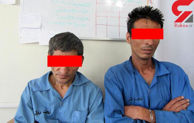 اقدام هولناک دو دزد با زن تنها در خانه/این زن با دست و پای بسته التماس می کرد +عکس