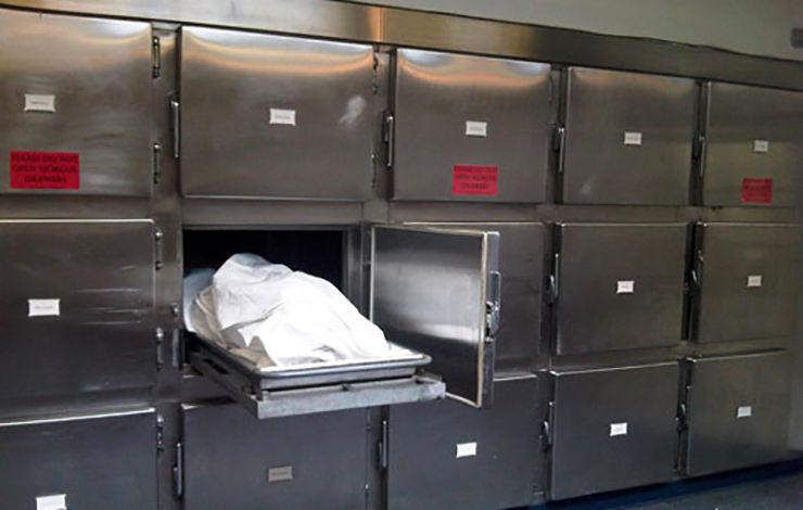 پزشکی که با جسد دختر جوان در سردخانه بیمارستان می خوابید!