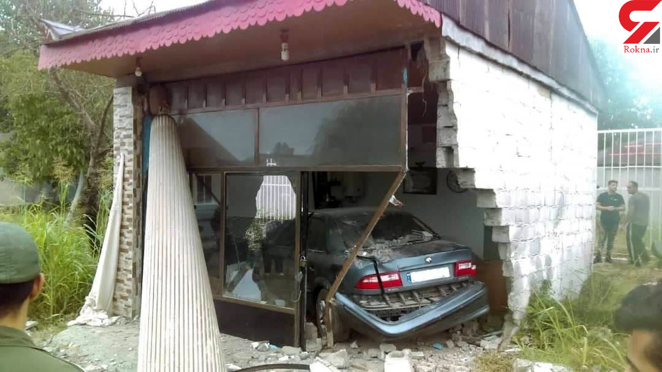 ورود خودروی سواری به داخل مغازه در جاده پیربازار رشت