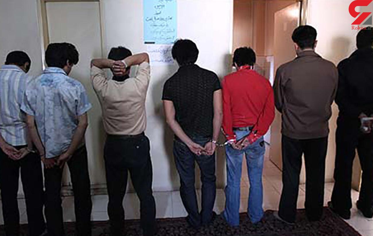 دستگیری 7 زن و 21 مرد در یک شرکت هرمی +عکس