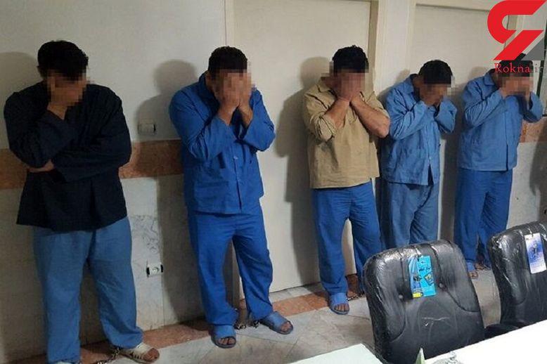 بازداشت 9 مرد خطرناک در حانه تیمی / آنها باور نمی کردند ! + عکس