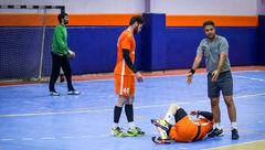 چاقوکشی در لیگ برتر هندبال ایران و بیهوش شدن یک بازیکن !
