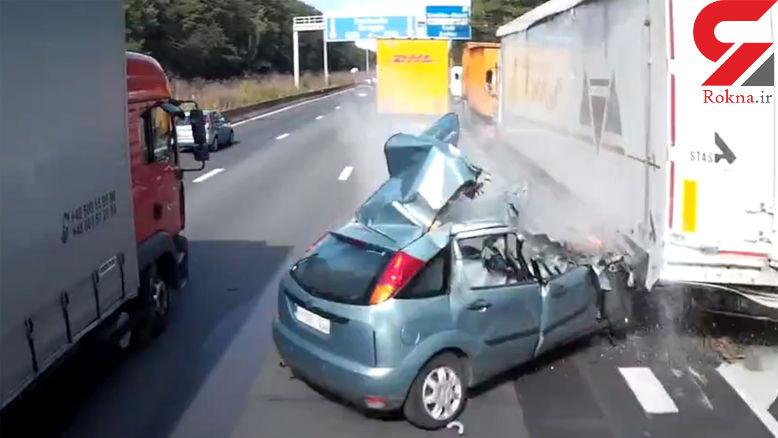 تصادف مرگبار خودروی سواری با تریلی در اتوبان+ فیلم