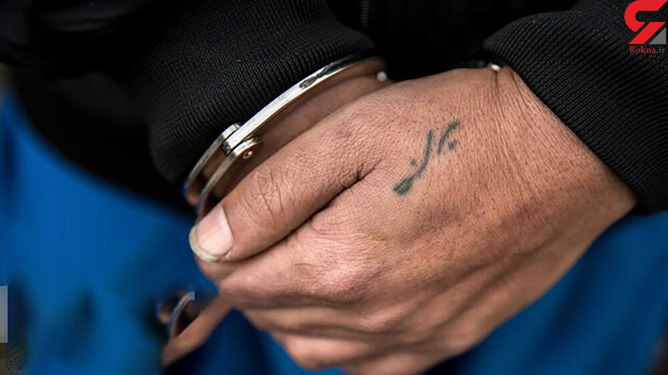 دستگیری سارق لامپ های خانه ها و مغازه های آبادان