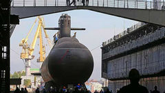 روسیه زیردریایی «روح دریا» را به آب انداخت + تصاویر