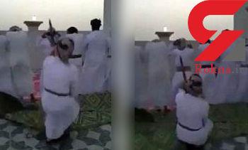 اقدام وحشت آور مرد عمانی با نمازگزاران + فیلم و عکس