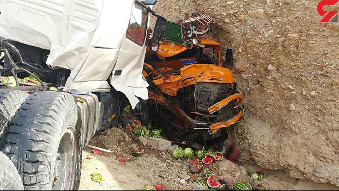 تصادف 2 کامیون در  محور سرایان-بیرجند