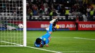 دروازه بان تیم ملی عراق تست کرونا میدهد