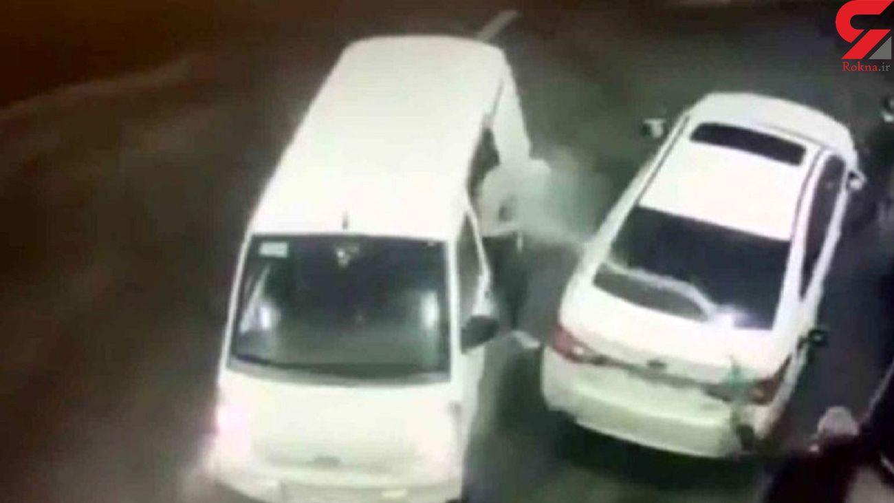 اقدام دیدنی راننده خودرو برای فراری دادن سارقان خودرواش + فیلم