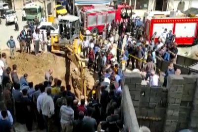 فیلم صحنه مرگ مرد سنندجی / زیر آوار مرگ زنده زنده دفن شد