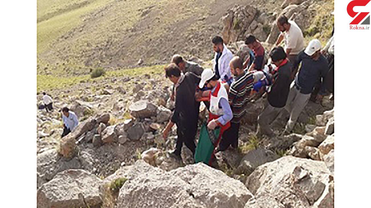نجات 5 نفر گرفتار شده در تنگه هلت پلدختر