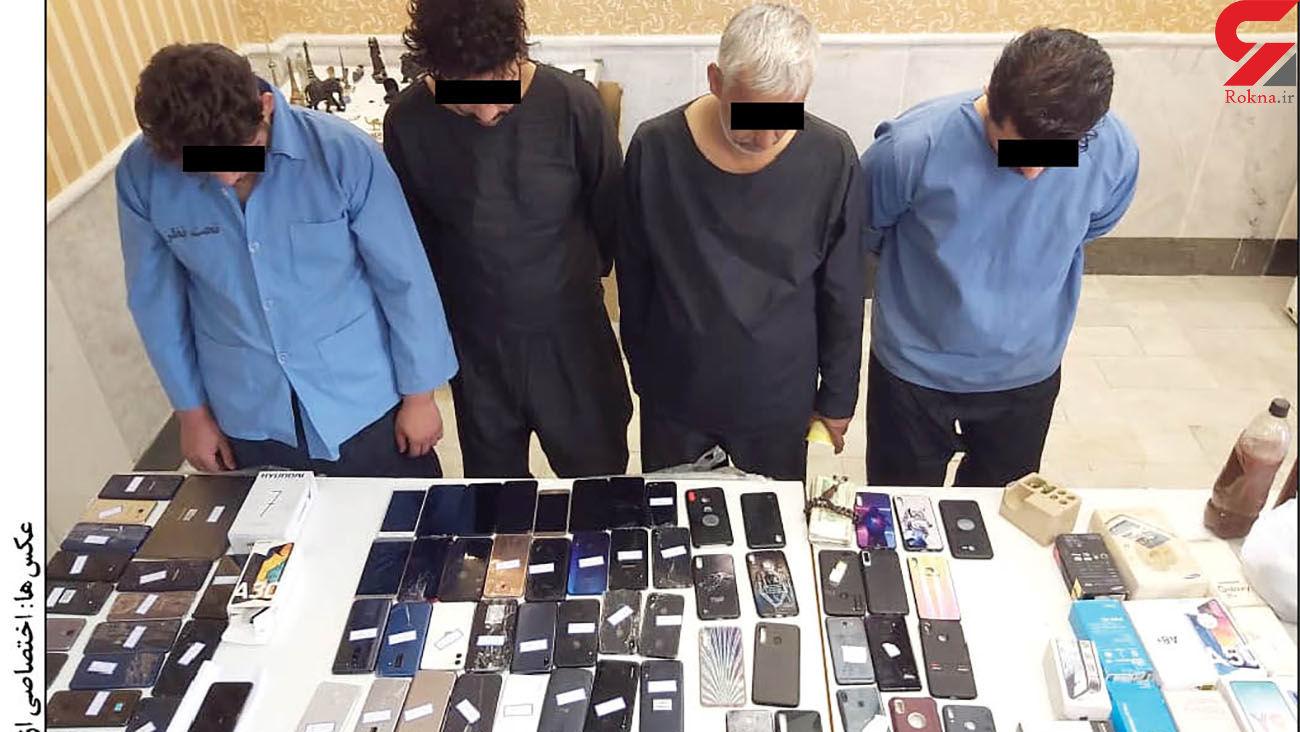 بازداشت اعضای مافیای قاچاق گوشی های سرقتی از مشهد به افغانستان + عکس