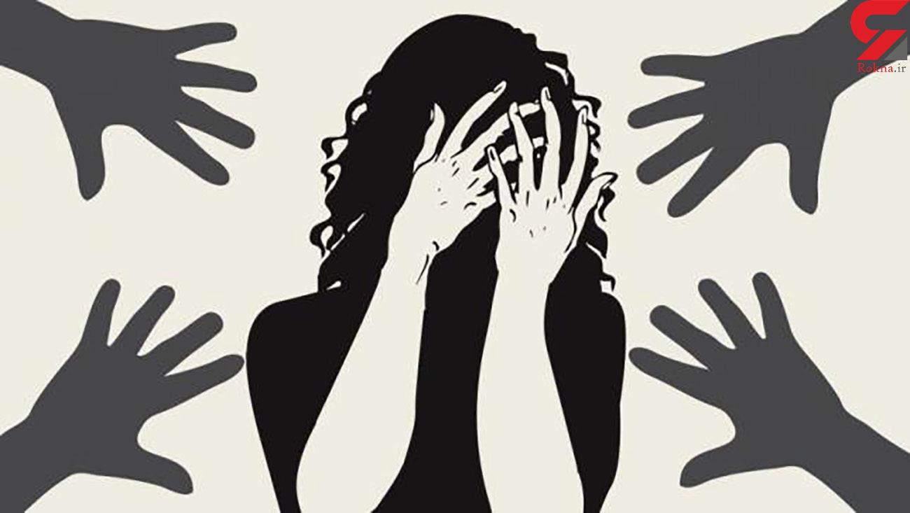 آزار گروهی  دختر 14 ساله در مقابل پدرش! / مرد افغان ضجه می زد