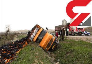 کامیون در اتوبان کرج واژگون شد / راننده 40 ساله جان باخت + عکس