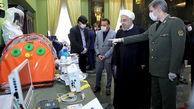 بازدید رئیس جمهور از لوازم پزشکی مقابله با کرونا درغرفه وزارت دفاع