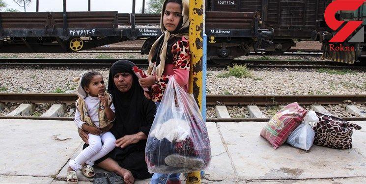 درد و دل تلخ مردم سیل زده که در قطار زندگی می کنند+ عکس