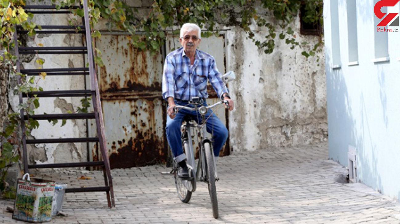 وفاداری ۵۰ ساله یک مرد به دوچرخهاش + عکس