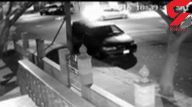 حمله وحشیانه به خانه یک افسر پلیس / همسر پلیس با چکش از خود دفاع کرد+فیلم