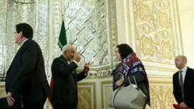 تذکر ظریف به حجاب دیپلمات انگلیسی+فیلم
