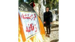 خانم آرایشگر در مناطق زلزله زده آرایشگاه صحرایی را انداخت +عکس