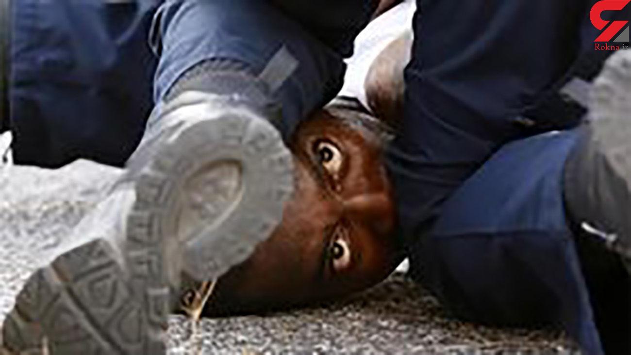 کشته شدن با 4 گلوله، عاقبت مقاومت مقابل پلیس آمریکا + فیلم