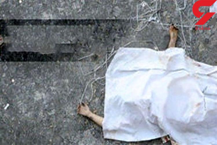 مرگ تلخ عابر پیاده زیر چرخ های کامیون در میدان صنعت