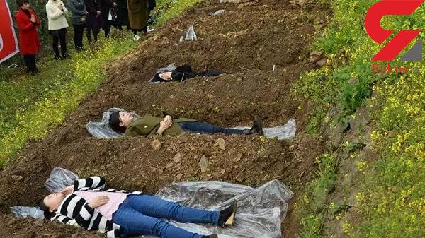 اقدام عجیب با زنان بیوه در گورستان+عکس